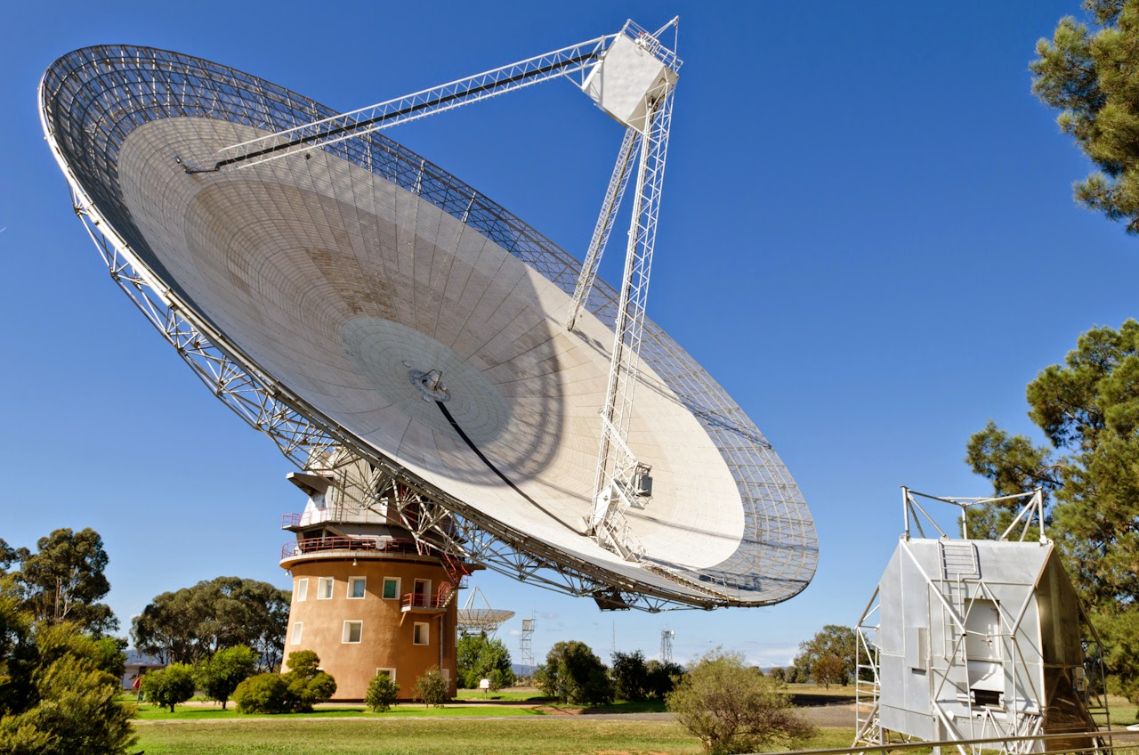 The Dish Parkes Radio Telescope